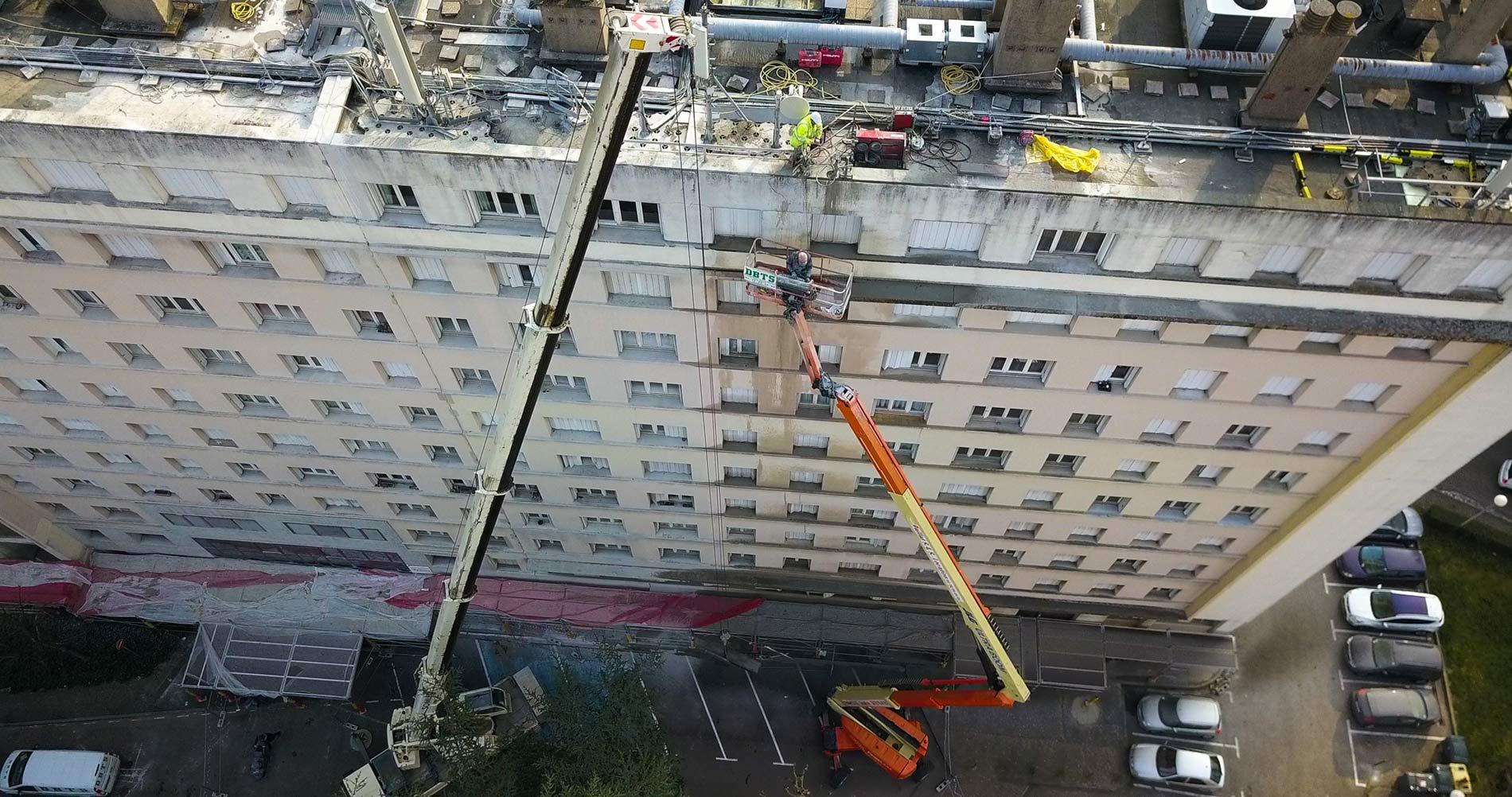 Découpe corniche débordante à 29 m de haut Vienne-©-DBTS